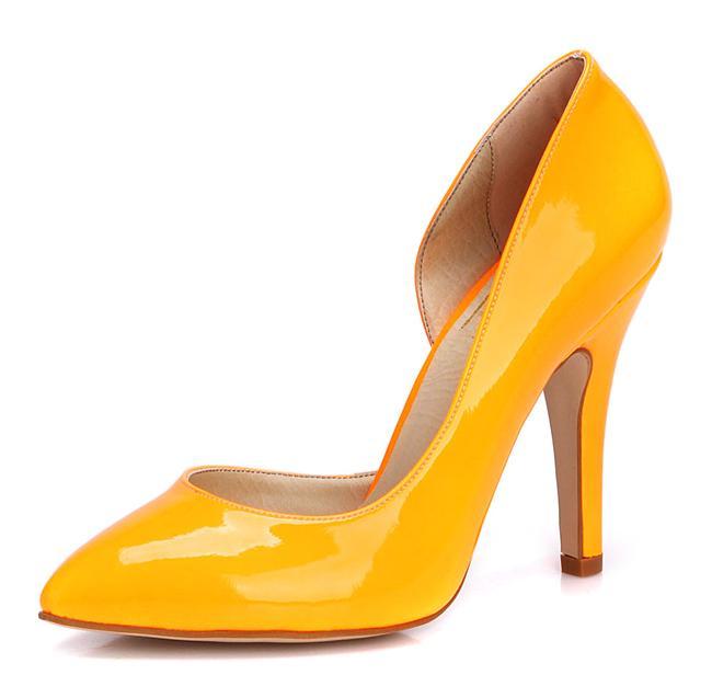 Turuncu klasik topuklu ayakkabı