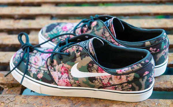 Sneakerlarda floral etki - 2