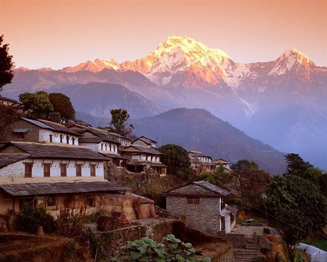 Nepal'deki Sarankot bölgesinden Annapurna zirveleri