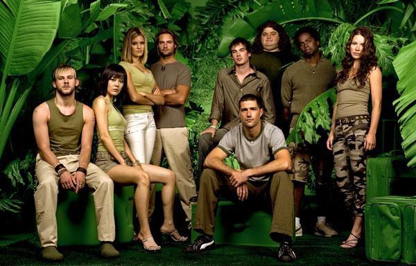 LOST (KAYIP)  Sidney'den Los Angeles'a seyahatleri sırasında geçirdikleri bir uçak kazası ile adada mahsur kalan insanların öyküsünü konu alır. Her bölümde, karakterlerden birinin geçmişine gidilir. Uçak kazası ile mahsur kalan grubun adadaki deneyimlerini anlatılır. İlk bölüm 22 Eylül 2004'te yayınlanmıştır.