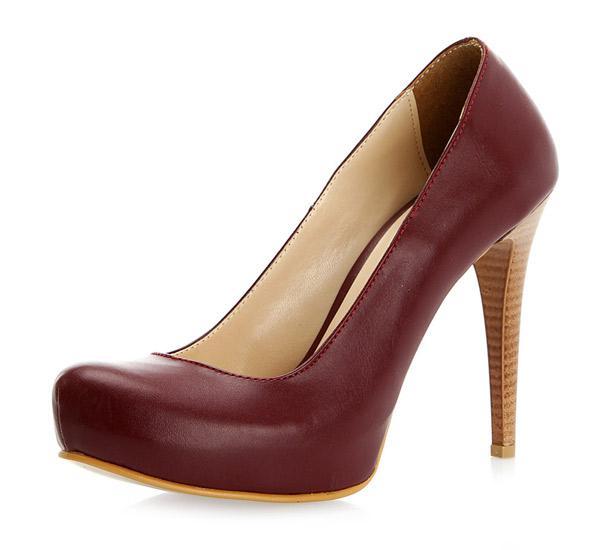 Çantanızla ayakkabınızın aynı renkte olmasına özen gösterin