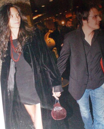 Katerina Mongio ve Mehmet Günsür el ele görüntülendi