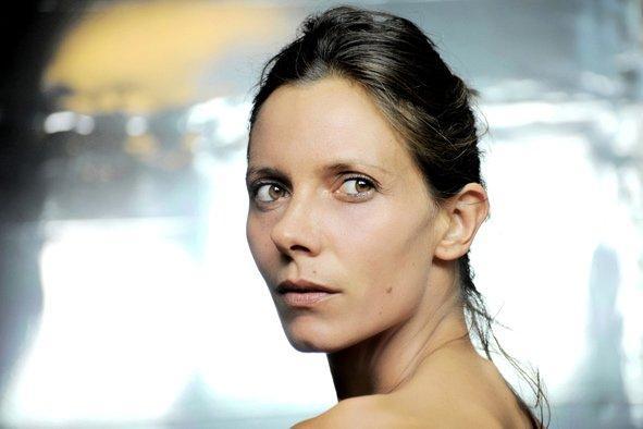 Katerina Mongio'nun fotoğraf çekiminde verdiği pozlardan biri