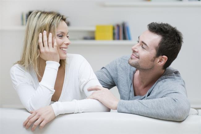 Başak   Hayallerini süsleyen kadın ya da erkeği ararlar. Kendilerine göre kriterleri vardır. Evlilik söz konusu olduğunda mantık ve duygu dengesini mükemmel bir şekilde dengelerler.   Başak erkeğinin eşi gurur duyulacak biri olmalı, onunla her türlü fikir alışverişi yapıp hemen her konuda konuşabilmelidir. Kadının daima bakımlı ve çekici olmasını arzu eder. Hijyen onun için oldukça önemlidir. Dipleri çıkmış saç boyası ile gezen bir kadını asla Başak erkeğinin eşi olarak göremezsiniz. Başak erkeği duygusaldır ve kırmızı çizgi ile belirlediği hassasiyetleri vardır. Eşine karşı daima dürüsttür ve beklentilerini net bir şekilde ifade eder. Hassasiyetlerine önem veren kadına karşı tutumu daima nazik ve sevgi doludur.   Başak kadını duygusal, iyi huylu ve dürüsttür. Evleneceği erkeğin dürüst olmasına, tüm rahatsızlık ve beklentilerini açıkça ifade etmesine çok önem verir. Başak kadınının asla tahammül edemeyeceği konu ise; eşine verdiği değerin kullanılmaya kalkışılmasıdır. Duygularında daima içten ve samimi Başak kadını bu davranışa sessiz kalmayacaktır. Cinsellik onlar için çok özel bir paylaşımdır. Daima özel ve heyecanlı kalması için bu konuda özenli olacaktır.