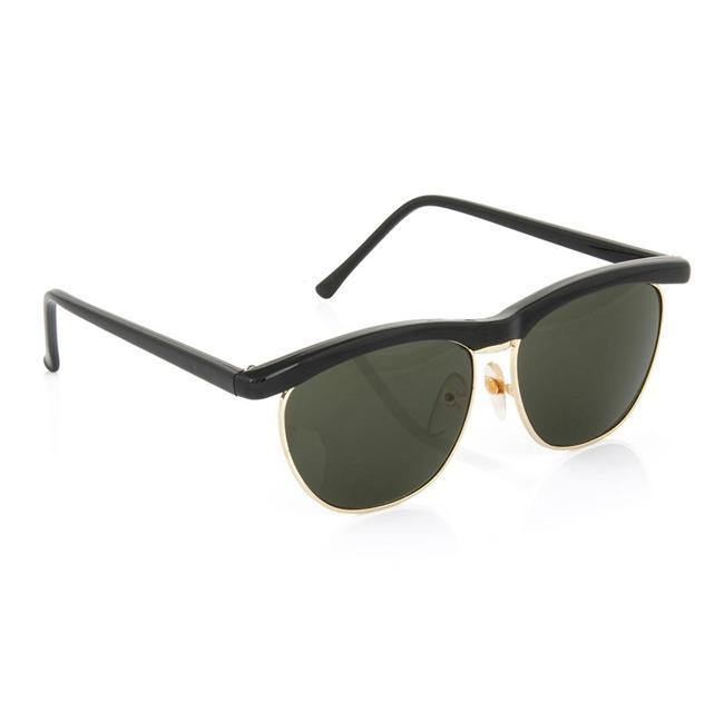Tasarım siyah gözlük