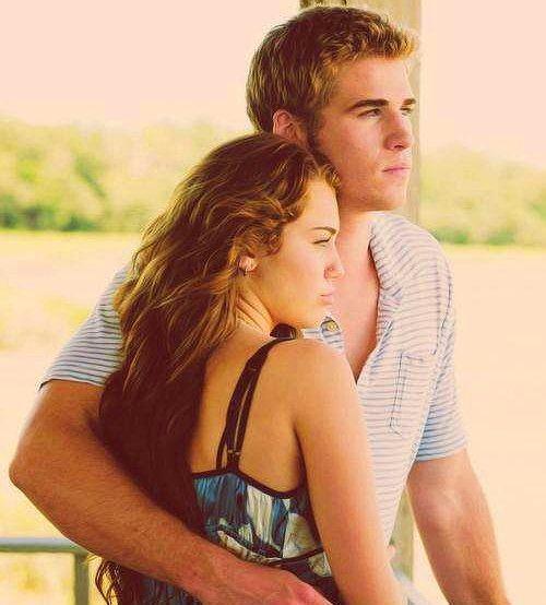 """Ronnie Miller & Will Blakelee – Son Şarkı  Miley Cyrus & Liam Hemsworth  """"The Last Song"""" adlı filmde 2009 yılında birlikte oynadılar.  2009-2012 yılları arasında birlikteydiler.  2012 yılından beri nişanlılar."""