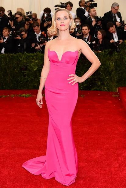 Reese Witherspoon -1,56 m