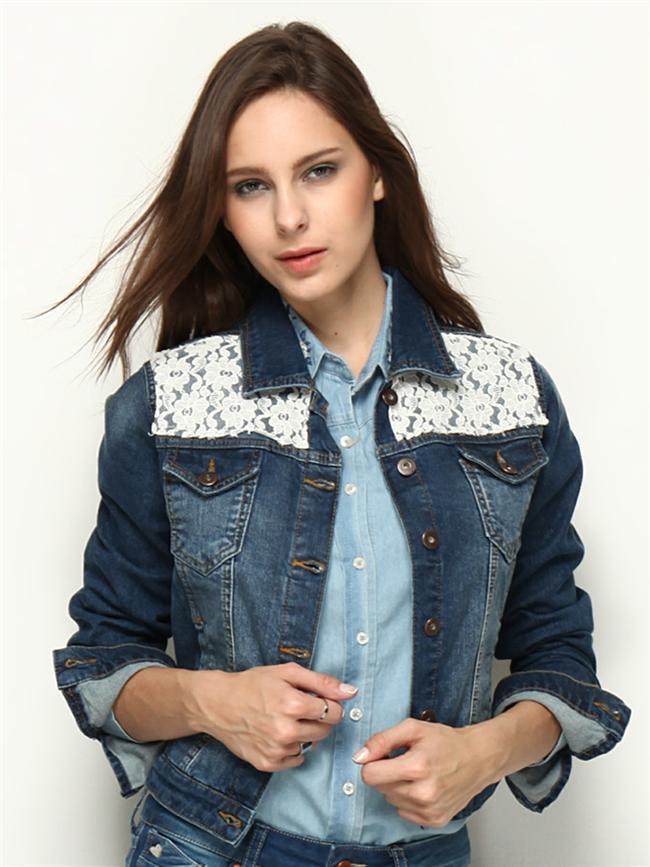 Dantel işlemeli lacivert kot ceket