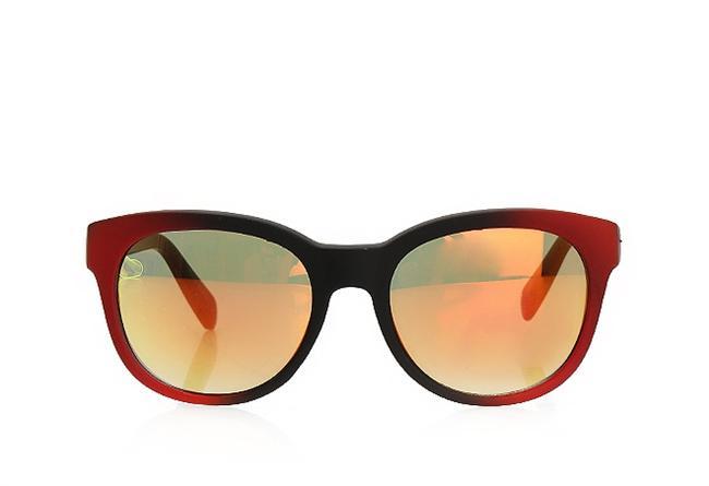 Renkli camlı güneş gözlüğü