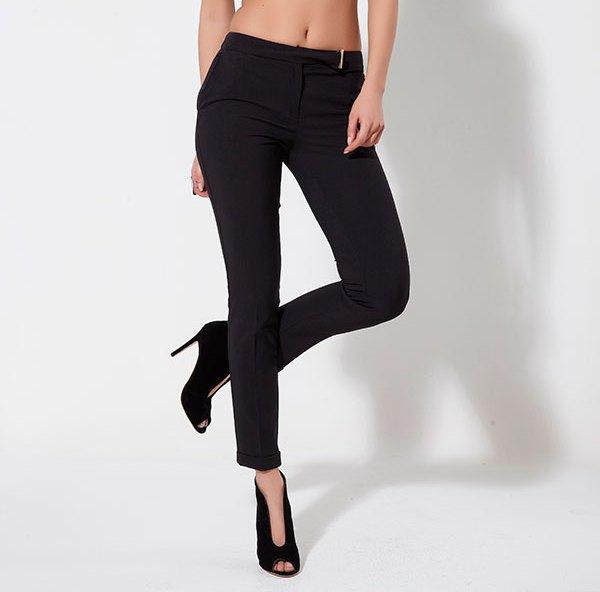 Kemeri tokalı siyah pantolon