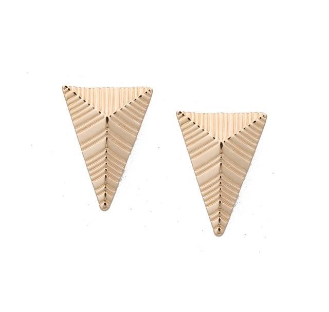 Altın üçgen küpe