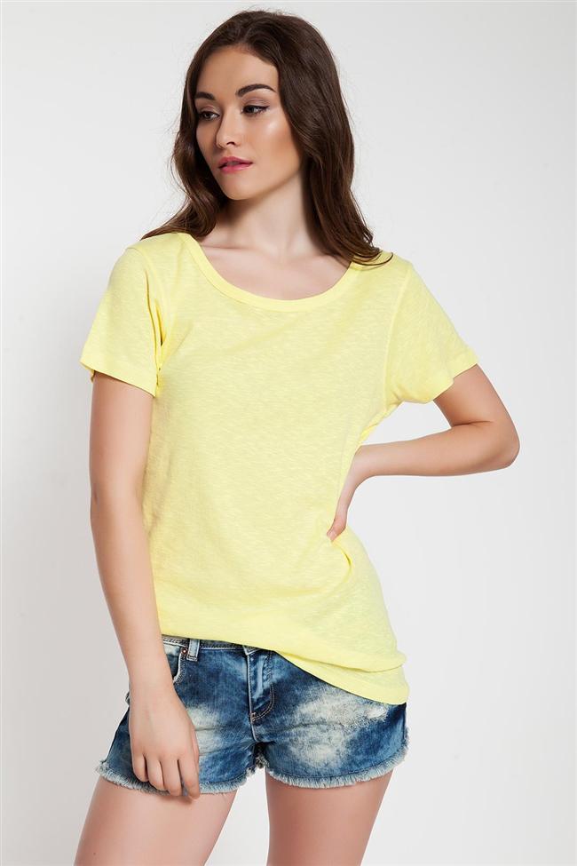 Sarı yuvarlak yaka tişört