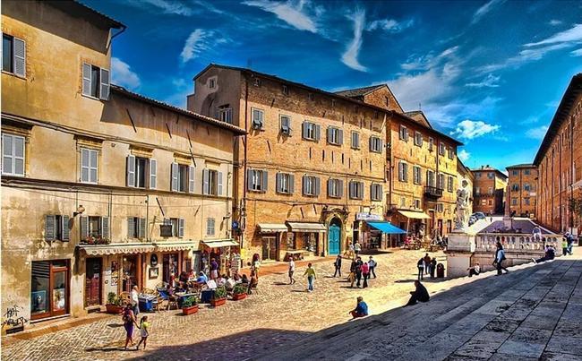 12- Urbino