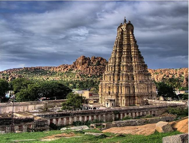 Virupaksha Tapınağı - Hindistan