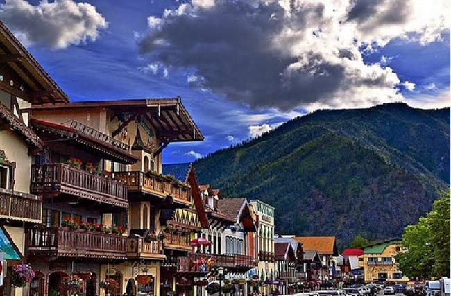 Leavenworth, Washington, ADB  Bir Avrupa şehri olarak gözüken bu yer, Bavyera modeli ile inşa edilmiştir.