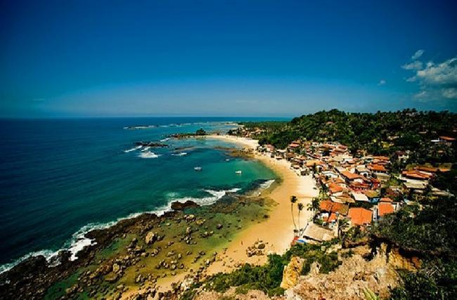 Morro de São Paulo, Brezilya  Adaya herhangi bir araç kabul edilmemesinden dolayı bu köye ulaşım sadece tekne ve özel uçakla olmaktadır. Eski zamanlarda korsanlar ve Portekizliler burayı üs olarak kullanmışlardır.