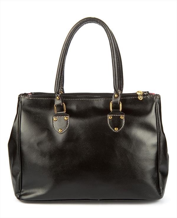 Siyah zımba detaylı el çantası