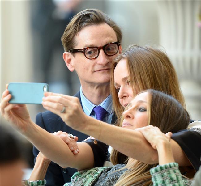 Ünlülerin 'Selfie' Merakı - 17