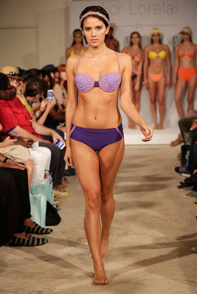 Mercedes-Benz Moda Haftası'nda birbirinden renkli bikiniler sergilendi. İşte Alexander Tamargo'nun 2015 bikini ve mayo koleksiyonu...