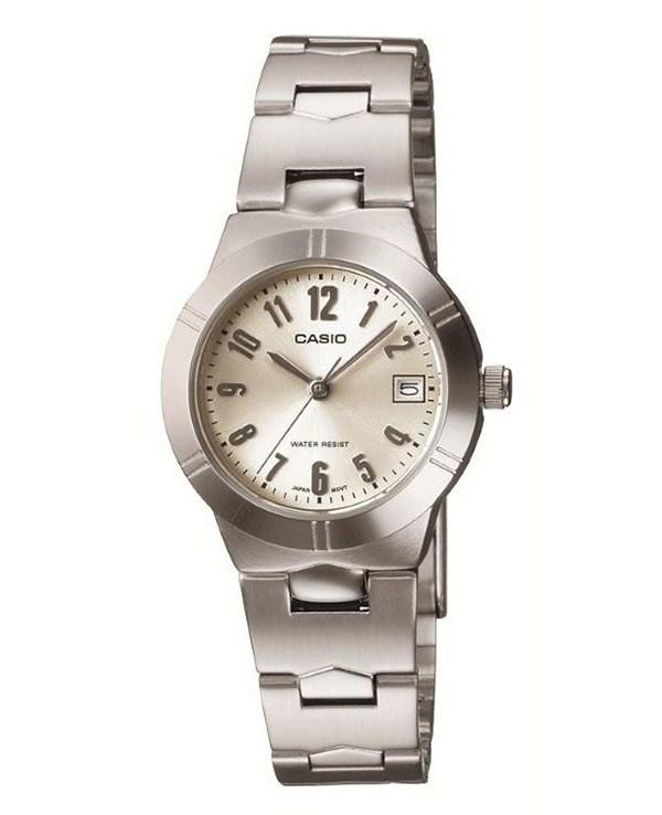 Çelik kordon gümüş renkli saat