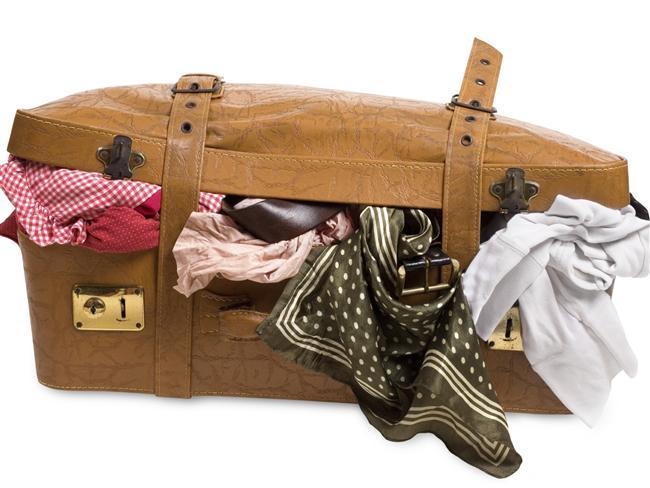 Dolu Bir Bavulla Seyahate Çıkmayın  Gittiğiniz yerden enteresan şeyler, arkadaşlarınıza hediyeler almak isteyebilirsiniz. Giderken bavulunuzda ekstra yer olmasında fayda var.
