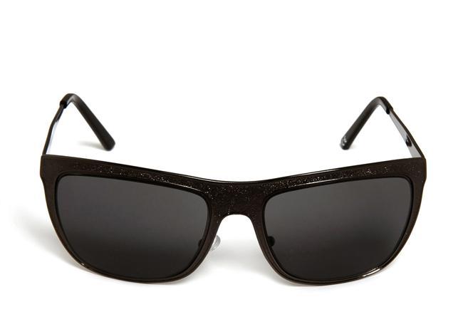 UV korumalı kadın güneş gözlüğü