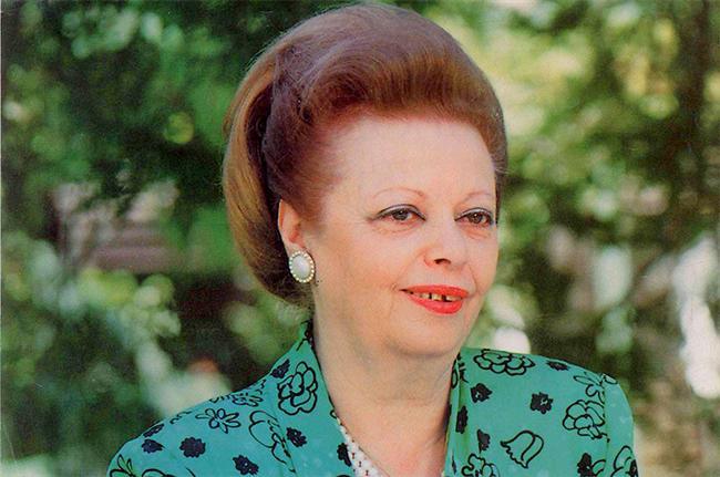 Nazmiye Demirel  9. Cumhurbaşkanı Süleyman Demirel`in eşi olan Nazmiye Demirel, 16 Mayıs 1993 ile 16 Mayıs 2000 tarihleri arasında köşke ev sahipliği yapmıştı.