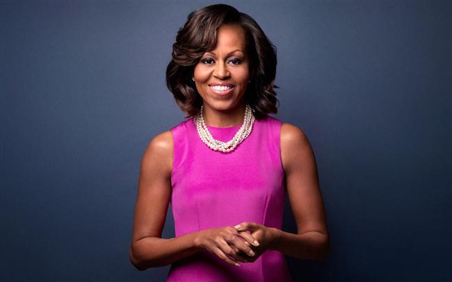 Michelle Obama  ABD'li avukat ve Amerika Birleşik Devletleri 44. Başkanı Barack Obama'nın eşidir. Michelle Robinson, Chicago'nun güney kısmında doğdu ilköğrenimini üstün zekalılar okulunda tamamladı ve Princeton Üniversitesi'nden ve Harvard Hukuk Okulu'ndan mezun oldu. Eğitiminin ardından Chicago'ya dönerek Amerika'nın bilinen bir hukuk firmasında, Chicago Üniversitesi'nde ve Chicago Üniversitesi Hastanesi'nde çalışmaya başladı.