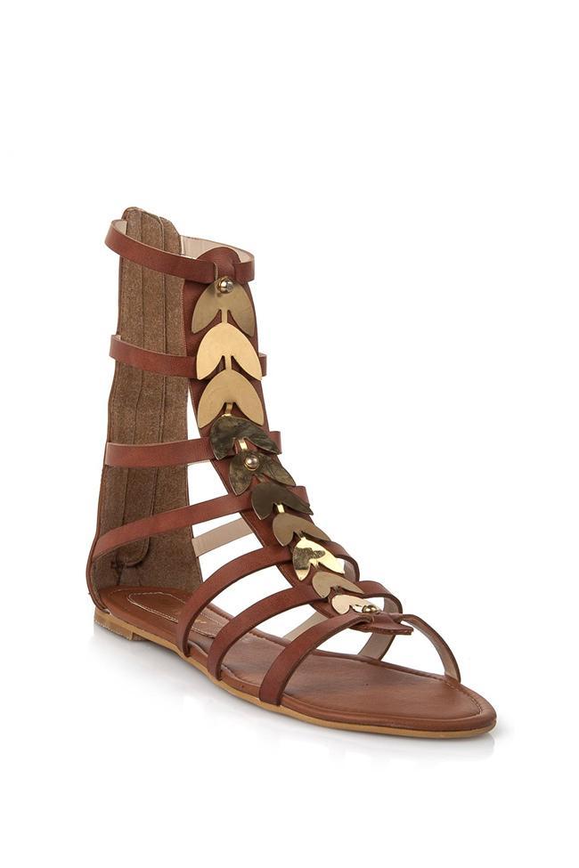 Yaprak detaylı gladyatör sandalet