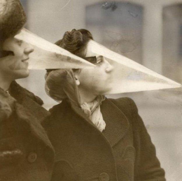 Kum Fırtınası Maskesi (Kanada 1939)  Maskenin kum kadar havayı da geçirmediği anlaşılınca kullananların ölmesi icadın sonunu getirdi.