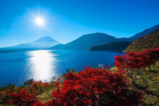 Fuji Dağı Yolu, Japonya  Dağ geçitleri delicesine rüzgarlıdır ama bölgenin güzelliğiyle büyülenebilirsiniz. Bahar aylarında çiçeklerin manzarasına doyum olmaz.
