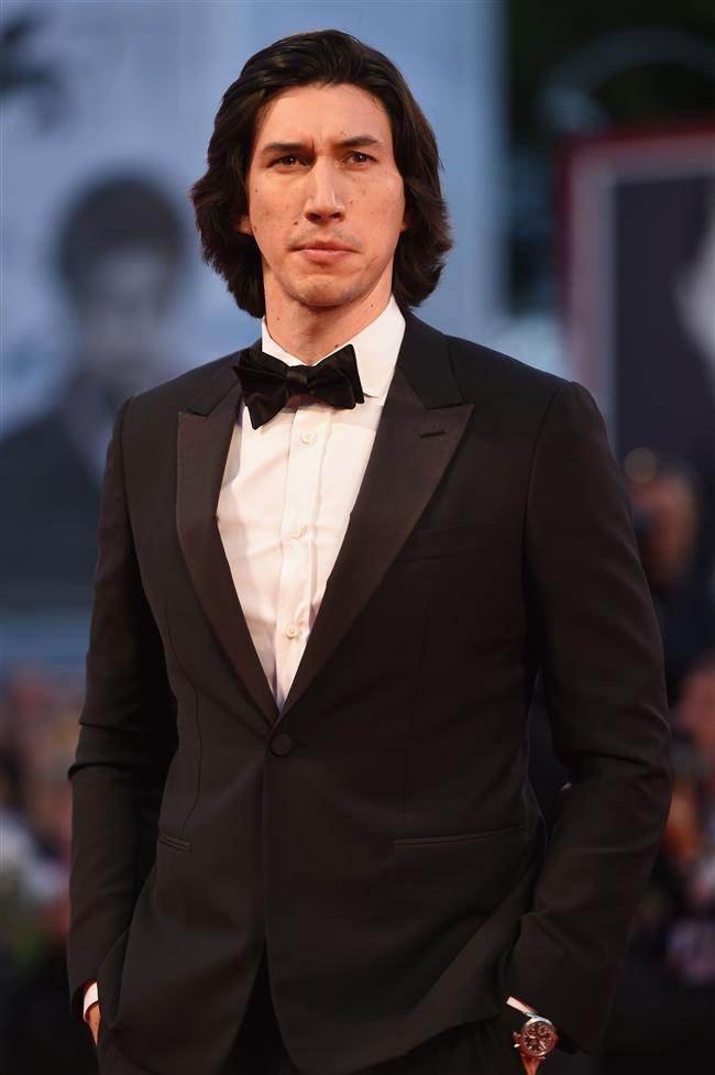 En İyi Erkek Oyuncu: Saverio Costanzo'nun yönettiği Hungry Hearts (Aç Yürekler)  filminin başrol oyuncusu Adam Driver, ödülü kucakladı.