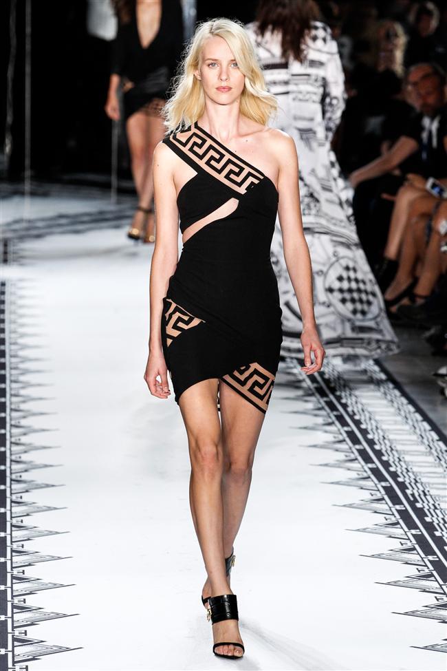 Versace 2015 İlkbahar-Yaz Koleksiyonu - 16
