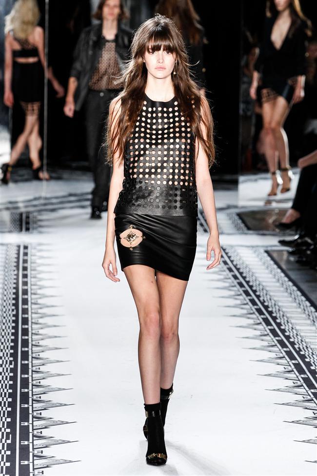 İşte Versus Versace İlkbahar/Yaz 2015 Koleksiyonu...