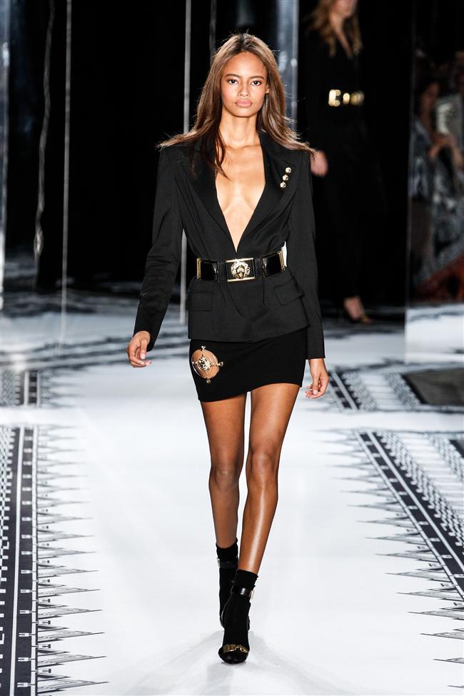 Versace 2015 İlkbahar-Yaz Koleksiyonu - 18