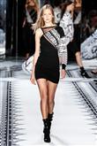 Versace 2015 İlkbahar-Yaz Koleksiyonu - 20