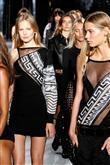 Versace 2015 İlkbahar-Yaz Koleksiyonu - 23