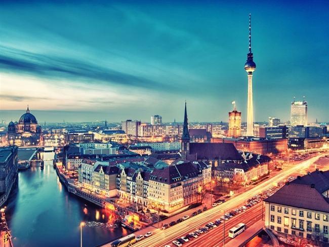 Berlin  Almanya'nın Berlin'i sayısız tarihi yerlere, ilginç müzelere ve muhteşem sergilere ev sahipliği yapıyor. Renkli gece hayatı ve eşsiz restoranlarına sahip bu şehrin en hüzünlü tarafı da Avrupa'nın katledilen Yahudileri'ne adanan anıtların bulunduğu yerler.