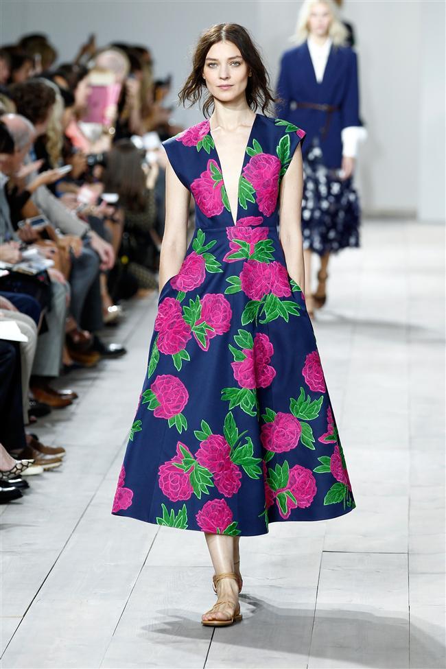 Michael Kors New York Moda Haftasında 2015 İlkhabar-Yaz Kreasyonunu sergiledi...