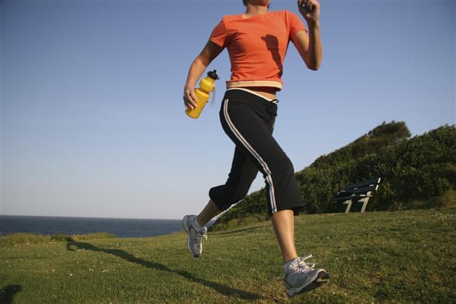 Hız artırarak jogging yapma  Hızınızı artırarak koşu yapmak, hasarı daha çok dizlerde hissedilen artrit (eklemlerde vücut tarafından üretilen bir iltihap) riskini artırır.