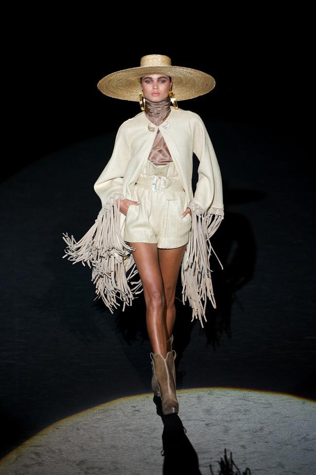 İspanyol modacıların 2015 ilkbahar yaz koleksiyonlarını sunduğu Madrid Mercedes-Benz Moda Haftası sona erdi.