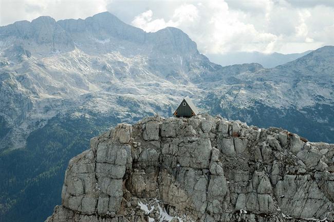 İtalya'da Alp Dağlarının muhteşem panoramik manzarasına sahip evde ücret ödemeden konaklayabilirsiniz.
