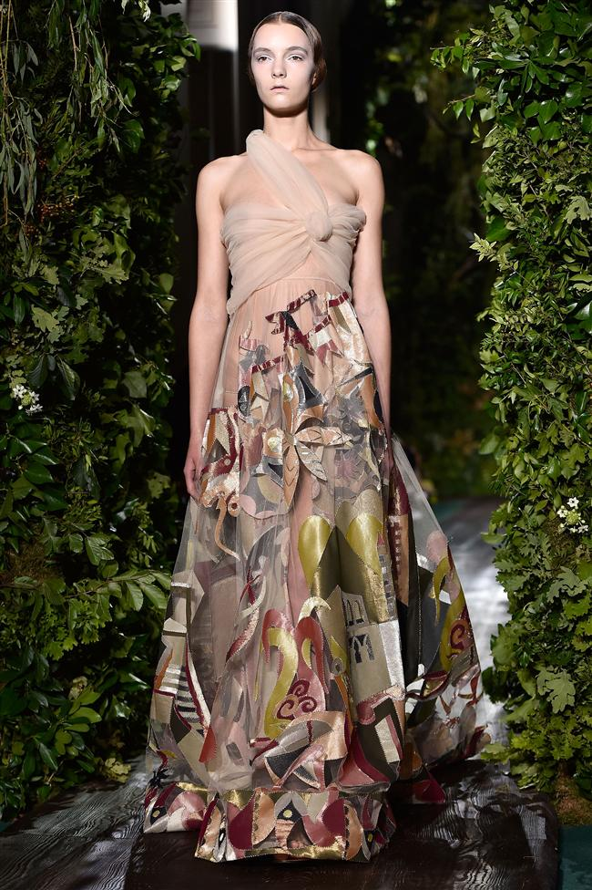 Markanın yaratıcısı Valentino Garavani'nin 2008 yılında emekliye ayrılmasıyla yerine Maria Grazia Chiuri ve Pier Paolo Piccioli geçerek harika defileler gerçekleştirdiler.