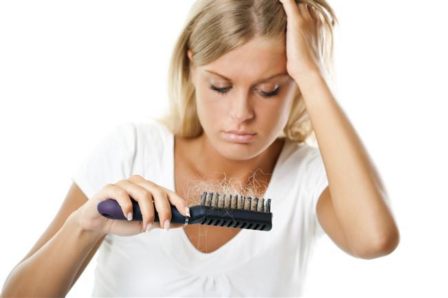 8. Daha fazla saç!  Sıcak su içerek saç köklerinizi uyarmanın bir başka olumlu etkisi de saçlarınızın çoğalması ve daha sağlıklı uzamasıdır.