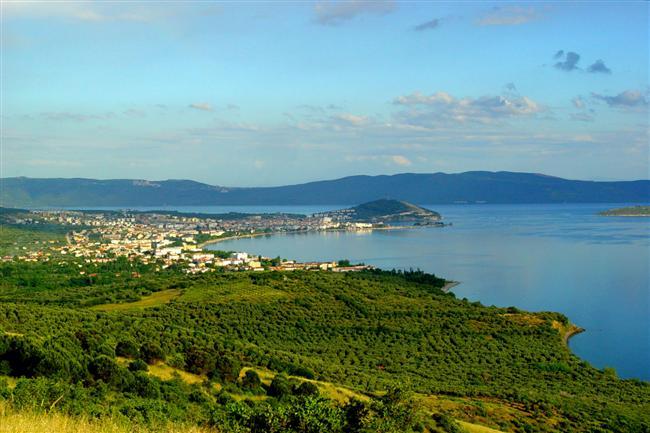 13. Aile tatillerinin vazgeçilmezi: Erdek  Ailece çıkılan tatillerin en ideal adreslerinden biri olan Erdek, Marmara Bölgesi'nden çok fazla uzaklaşmayı düşünmeyen ve ekonomik tatil arayışında olanlar için iyi bir alternatif.