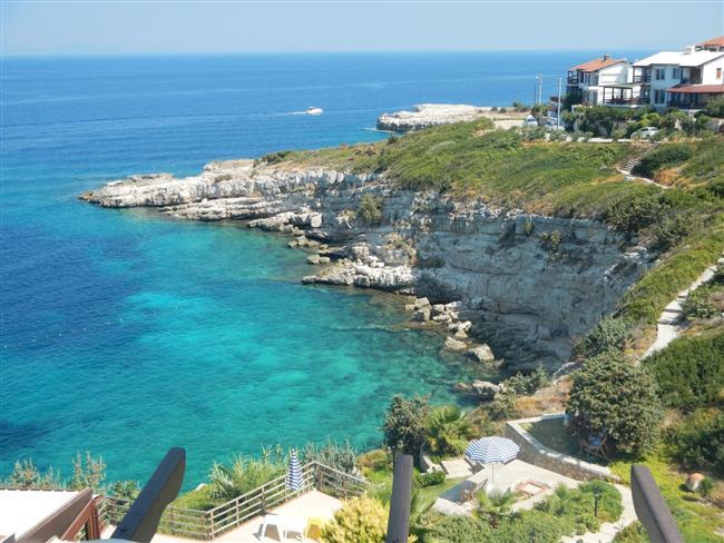 Karaburun   İzmir il sınırlarında yer alan  Karaburun, ılık iklimi ve sakinlik veren doğal güzelliği ile dingin bir tatil geçirmek isteyenlere göre...