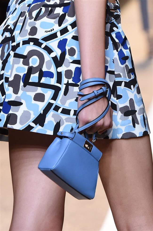 Milano Moda Haftası kapsamında birçok ünlü markanın ilkbahar yaz çanta koleksiyonu sergilendi.  Fendi