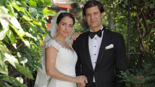 Aslı Tandoğan ile Tan Yeşilada evlendi.