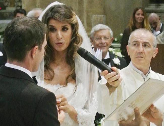 George Clooney'in eski sevgilisi Elisabetta Canalis Brian Perri ile evlendi.