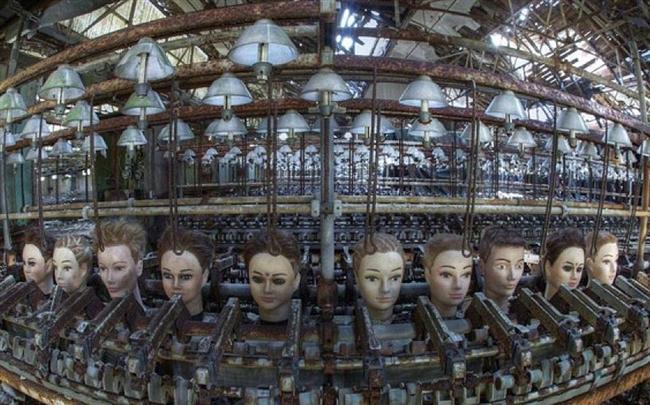 Oyuncak Fabrikası, İspanya